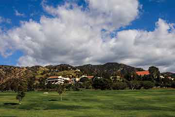 Malibu campus bluffs near 网易彩票app