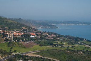 A panoramic view of the main Malibu campus - 手机赌博app